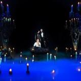 Smukt ser det ud, når Fantomet bortfører sanglærken Christine i det håb, at hun kan forløse ham gennem musikken. Tomas Ambt Kofoed og Sibylle Glosted er det velsyngende par på Det Ny Teater, men smuk er situationen ikke for Københavns Teatersamarbejde, mener Benjamin Boe, formand for Dansk Skuespillerforbund.