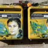 Postkasser med portræt af den franske politiker og holocaust-overlever Simone Veil overmalet med grafitti. (Photo by Christophe ARCHAMBAULT / AFP)