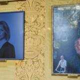 Portrætter af afgåede borgmestre i Magistratssalen på Københavns Rådhus. Til venstre Pia Allerslev (V), til højre Per Bregengaard (EL).