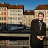 »Alle, uanset hvor de ligger på indkomstskalaen, uanset om de er boligejere eller ej, får kolossale fordele ved denne omlægning,« siger Klaus Riskær Pedersen i en video, hvori han præsenterer sit bud på en gennemgribende skattereform.