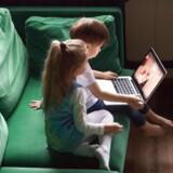 I modsætning til, hvad man måske skulle tro, er de videoer, som børn ser på YouTube, ofte ikke en konsekvens af bevidste og målrettede søgninger.