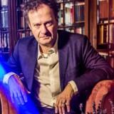 »Vi diskuterer ikke længere, hvordan vi vil indrette samfundet, hvordan vil vi leve, hvordan får vi et rigt liv, hvad der er meningen med tingene,« siger Knud Romer.