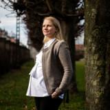 Julie Louise Knudsen blev for tre måneder siden forfremmet til director i Novozymes. Hun bryder sig ikke om særlige kvindeinitiativer for at få flere kvinder i ledelse. »Jeg har aldrig deltaget i et kvindearrangement, for det handler ikke om køn, men om at gøre sig bedst egnet til det job, man gerne vil have, og så gå efter det,« siger hun.