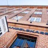 Alle privatkunder i Københavns Andelskasse, som sidste år blev overtaget af staten, er blevet bedt om at finde ny bank. Det oplyser Finansiel Stabilitet.