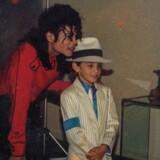 Wade Robson som femårig sammen med sit idol Michael Jackson. Robson, der i dag er koreograf, anklager i filmen »Leaving Neverland« Jackson for at have misbrugt ham over en længere årrække.