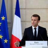 I modsætning til, hvad Emmanuel Macron mener, er Europa ikke EU og EU er ikke Europa – og vi har ikke en fælles identitet i EU, men 28, snart 27 forskellige. Nemlig bestemt af nationalstaternes grænser, skriver Niels B. Larsen.