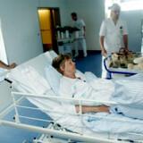 Politikerne tegner et glansbillede, når de påstår, at vi i Danmark har et sundhedsvæsen i verdensklasse, lyder kritikken fra læger og sygeplejersker. Flere undersøgelser modsiger lægernes protester og viser, at Danmark ligger i toppen, når det kommer til verdens bedste sundhedsvæsner.