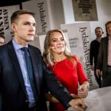 Kampen om de indvandrings- og EU-kritiske vælgeres stemmer i Sydjylland blev for alvor indledt torsdag eftermiddag, da Dansk Folkepartis Kristian Thulesen Dahl og Nye Borgerliges Pernille Vermund tørnede sammen i en direkte debatduel.