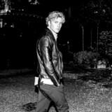 »Jeg har vænnet mig til, at folk har en holdning til mig, selv om de ikke har mødt mig. Det er noget, man skal finde en balance i,« siger popstjernen Christopher, der slog bredt igennem i 2014 og lige har udsendt sit tredje album »Under The Surface«.