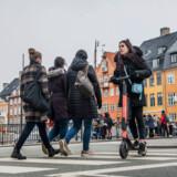 Københavnerne har taget godt imod de nye el-løbehjul. Her er det et løbehjul fra den svenske opstartsvirksomhed Voi, som på mindre end to måneder har fået 50.000 brugere i København. Nu kommer Transportministeriet Voi og de øvrige udlejere til hjælp.