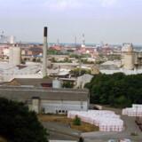 Dansk Eternit Fabrik i Aalborg, der her ses i 1994 inden dens lukning, brugte i årtier asbest i sin produktion. (Arkivfoto) Henning Bagger/Ritzau Scanpix