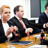 (ARKIV) Udlændinge- og integrationsminister Inger Støjberg (V) under åbent samråd med Udlændinge- og integrationsminister Inger Støjberg (V) om sag ved EU-Domstolen om familiesammenføring fra Tyrkiet på Christiansborg, tirsdag den 19. februar 2019. Et syrisk asylpar skal have godtgørelse på grund af Inger Støjbergs ulovlige ordre om adskillelse. Manden og kvinden får i alt 20.000 kroner, lyder det i dom. Det skriver Ritzau, fredag den 1. marts 2019.. (Foto: Philip Davali/Ritzau Scanpix)