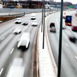 »Det er rimeligt og fornuftigt,« at »balancen mellem investeringer i veje og jernbaner er skubbet til vejenes fordel«.