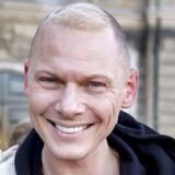 Ghita Nørby fortjener Kommandørkorset af første grad efter sin optræden i Radio24Syv, mener modeskaberen Jim Lyngvild.