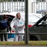Det er oplyst, at 41 af ofrene blev dræbt i moskéen Masjid al Noor i den centrale del af Christchurch. Syv andre blev skudt og dræbt i Linwood Ave-moskéen, tre af dem uden for bygningen.