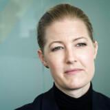 »Det er vejen til utryghed, det er det, jeg opponerer imod for at isolere folk i passiv usikkerhed,« skriver Sofie Carsten Nielsen