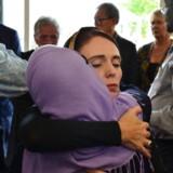 New Zealands premierminister Jacinda Ardern, der her deltager i en mindehøjtidelighed, gav den amerikanske præsident Donald Trump ren besked, da han ringede for at kondolere. Men også hendes egen regering kritiseres for at undervurdere truslen fra højreekstreme terrorister.