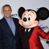 Bestyrelsesformand og CEO for Walt Disney, Robert Iger, fik i 2018 en lønstigning på 80 pct. sammenlignet med 2017. Hans løn var i 2018 på 66 mio. dollar.