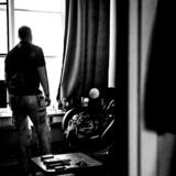 En 50-årig mand blev udsat for vold af sin kæreste gennem næsten et halvt år. I dag bor han på mandecenteret, men inden da var han tæt på at begå selvmord som følge af oplevelserne.