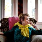 »Iben Maria Zeuthens interview med Ghita Nørby er et journalistisk mesterstykke og et portræt af en kvinde, som ikke kan se, at hun gentager sin mors fejl. At belære Zeuthen om, hvordan et interview bør foregå, er ren womansplaining,« skriver Zeuthens værtskollega på Radio24Syv, Tinne Hjersing Knudsen.