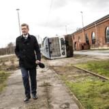 Overborgmester Frank Jensen viser rundt i det område, som skal blive Københavns spritnye bydel med op mod 5.000 boliger. Arkivfoto: Olafur Steinar Gestsson/Ritzau Scanpix
