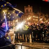 Britiske EU-tilhængere har i månedsvis krævet en ny EU-folkeafstemning. Med de seneste dages dramatiske begivenheder i Underhuset og i Bruxelles kræver nogle briter, at politikerne alvorligt bør overveje at benytte »nødbremsen« for Brexit og annullere EU-udmeldelsen. Arkiv