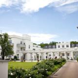 Skodsborg Kurhotel blev grundlagt af helsepioner og læge Carl Ottosen, der i 1898 åbnede et af Danmarks første kursteder. Siden er det blevet renoveret og udbygget, så det i dag råder over 85 værelser, restaurant, spa- og fitnesscenter.