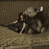 Den tidligere Bond-babe Eva Green er cirkusprinsesse i den nye live action udgave af Dumbo, der har fået en ordentlig omgang med skurebørsten