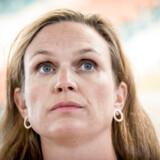 Undervisningsminister Merete Riisager (LA) blev mødt af hundredvis af elever, der buhede højlydt, da hun besøgte Ørestads Gymnasium.