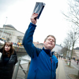 Rasmus Paludan - Stram Kurs brænder koran, da Hizb ut Tahrir Skandinavien holdte fredagsbøn, fredag den 22. marts 2019.