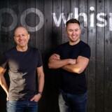 Amerikanske Keith Saft (tv.) og irske Hugh O'Flanagan har sammen stiftet virksomheden Whispr i København. Whispr har udviklet en stemmestyret teknologi målrettet servicepersonale som eksempelvis kabinepersonalet i fly eller rengøringsfolk på hoteller.
