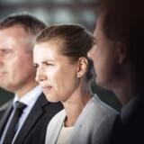 Henrik Sass Larsen og Mette Frederiksen har stået last og brast om næsten alt, siden hun blev formand.
