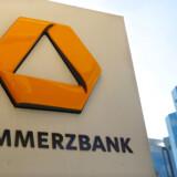 UniCredits fornyede interesse i Commerzbank skyldes ifølge flere kilder alvorlige knuder i forhandlingerne mellem Commerzbank og Deutsche Bank, skriver Financial Times.