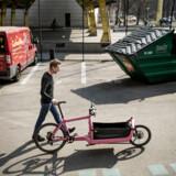 Bullitt-cyklen er meget mere end familiefaderens praktiske transport middel; i dag er den cykelstiens mest trendy tohjulede. Hans Fogh er stifter og ejer af firmaet.