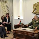 FN's generalsekretær, António Guterres, mødtes fredag med Khalifa Haftar i Benghazi for at forsøge at tale Haftar fra sin offensiv. Guterres forlod dog landet med et tungt hjerte, skrev han efter mødet på Twitter. Handout/Reuters