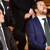 De italienske regeringspartier er røget i totterne på hinanden og skaber fornyet usikkerhed om den økonomiske politik. Legas vicestatsminister, Matteo Salvini, vil have skattelettelser på trods af stigende budgetunderskud. En ny konflikt med EU er på vej.
