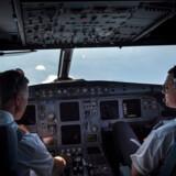 Danske piloter skal hvert år gennem et tjek for at få deres flyvetilladelse. Nu viser det sig, at flere af de læger, som har foretaget undersøgelserne, ikke har den nødvendige uddannelse. Arkivfoto: Sofie Mathiassen