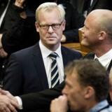 Carls Holst korte tid som forsvarsminister i 2015, kun 93 dage, er en af de store nedture i dansk politik. Nu har han sammen med Berlingskes samfundsredaktør, Bent Winther, skrevet en bog om sin tid i politik.