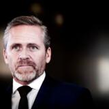 »Det, synes jeg faktisk, er meget arrogant skrevet,« skriver udenrigsminister Anders Samuelsen (LA) i en direkte besked til Enhedslistens Pelle Dragsted, der selv brugte ordet »arrogant« om ministeren.