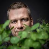Michael Stausholm er stifter af Sprout og lancerede i 2013 verdens første blyant, der kan plantes og spire til blomster og krydderurter. Nu lancerer Sprout et nyt patenteret produkt, der er en bionedbrydelig og plastikfri ske med interegreret te, så man slipper for plastikskeen.