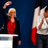Marine Le Pen, her sammen med sin unge spidskandidat Jordan Bardella, ved sidste weekends start på kampagnen op til europaparlamentsvalget, smiler igen efter en vanskelig tid. Foto: Sylvain Thomas/AFP/Ritzau Scanpix