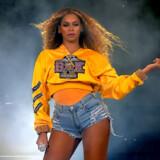 De sidste 15 år har Beyoncé siddet tungt på poppens trone og været med til at redefinere, hvad det vil sige at være popstjerne i dag. Sidste års koncert på Coachella var en af hendes livs vigtigste koncerter.