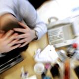 »Tallene viser, at det ofte er andre ting end arbejdet, der skaber stress, og derfor er kuren mod stress ikke at skære forbindelsen til arbejdsmarkedet fuldstændigt.«