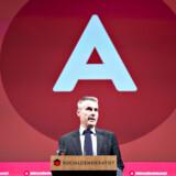 Skal man tro meningsmålingerne, står vi meget snart med et rødt flertal. Med en socialdemokratisk ledet regering er Henrik Sass Larsen så godt som sikret den meget vigtige post som finansminister, og det er bekymrende.