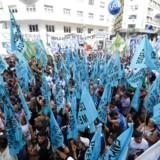 Ifølge IMF er »de store underskud på de offentlige finanser og betalingsbalancen ... faldende« i Argentina. Det er dog en sandhed med betydelige modifikationer. IMF skriver godt nok, at der er tegn på, at den dybe recession er aftagende, men det modsatte er tilfældet. Fattigdommen breder sig. Det samme gør protesterne i gaderne. Foto: Juan Mabromata/AFP/Ritzau Scanpix