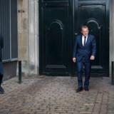 Efter et valg er der også spilleregler, der skal følges. Mest berømt er dronningerunden, hvor partilederne møder op hos Dronningen for at fortælle, hvem de bl.a. peger på som statsminister. Her forlader statminister Lars Løkke Rasmussen Amalienborg efter sidste valg.