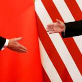 Beskyldningerne om kinesisk løftebrud og trusler om en forhøjelse af toldafgifterne skabte frygt for, at Kina ville trække sig fra et afgørende møde i Washinghton i denne uge om handelsaftalen mellem de to lande. Men Kina har bekræftet, at der bliver sendt en delegation af sted.