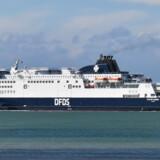 DFDS' færger - såsom denne på vej fra Calais i Frankrig til Dover i Storbritannien - har i årets første tre måneder fragtet mere gods over Den Engelske Kanal. (arkivfoto) Denis Charlet/Ritzau Scanpix