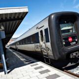 Forsinkede og aflyste toge koster samfundet 1,1 milliarder kroner om året. Statsrevisorerne kritiserer DSB og Banedanmark for utilfredsstillende information og kompensation. (Arkiv). - Foto: Henning Bagger/Ritzau Scanpix