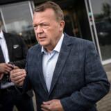 Lars Løkke Rasmussen forsøger at finde vejen frem i en kompleks valgkamp. De gode råd fra Søren Pind vil ikke gøre hans situation nemmere.